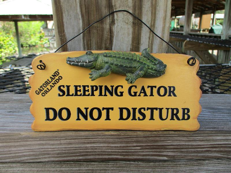 Sleeping Gator Plaque,10093*