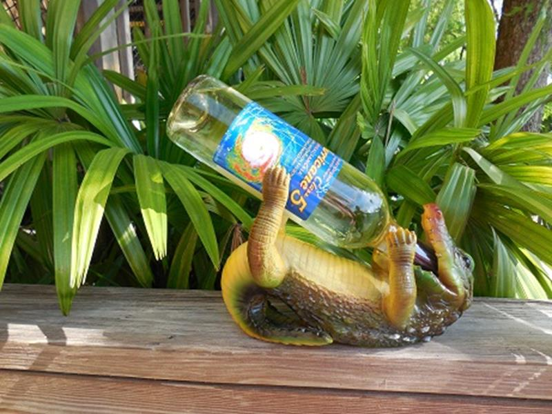 Gator on Back Wine Bottle Holder