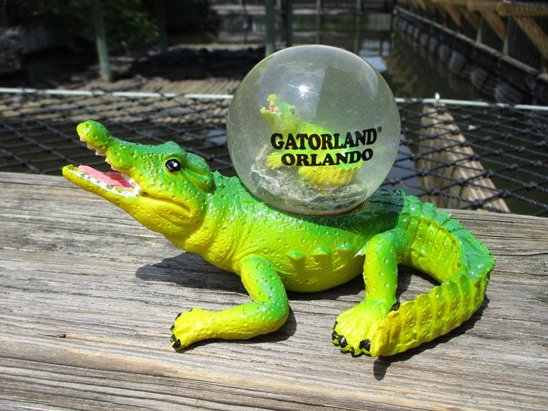 Snowglobe Gator Figure,77555*