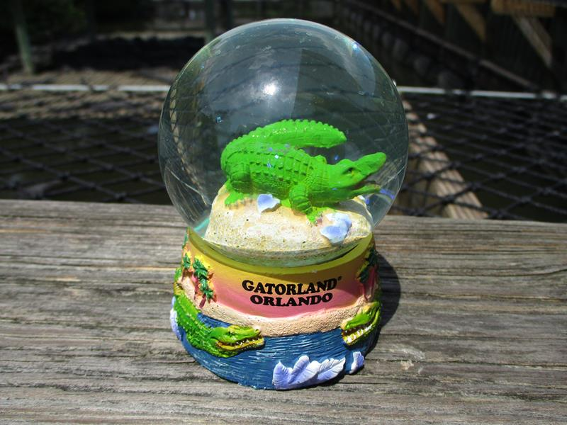 Snowglobe Gator Neon,63022*