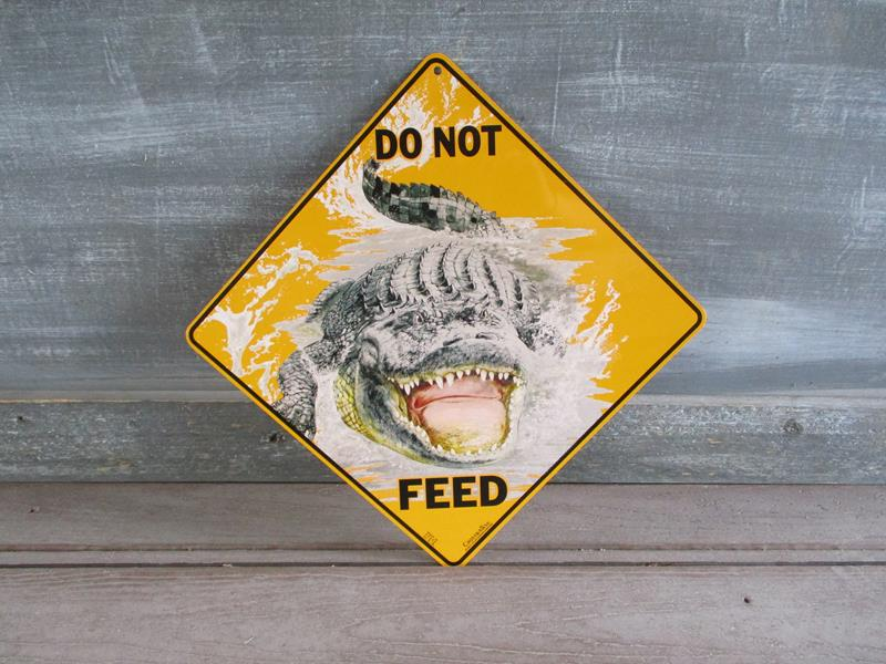 Sign Do Not Feed,SXG327