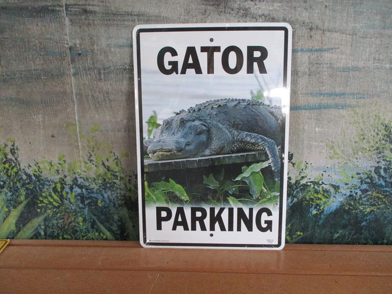 Sign Gator Parking,SWS118