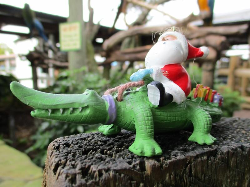 Santa on Gator Ornament,863-52