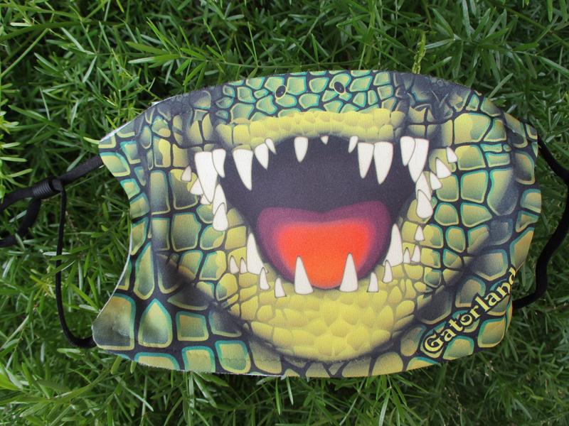 Alligator Bite Facemask,76121-01004